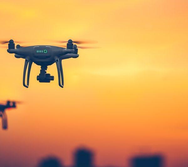 Stockfoto Drohnen zu Artikel Drohnen als potentielles Risiko - KWK GmbH