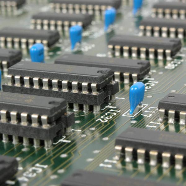Stockfoto Platine zu Technologie